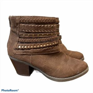 """Sugar """"Tall Tale"""" ankle booties. Size 8M"""